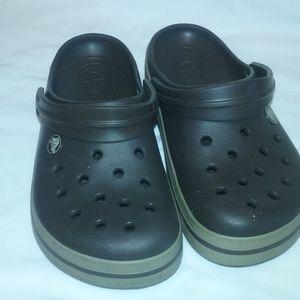 Brown Pair of Crocs Size 7